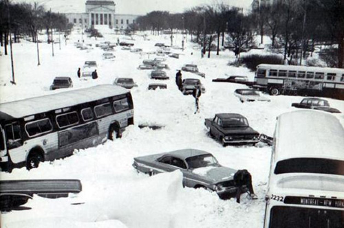 cars became stranded on Chicago's Lake Shore Drive during the blizzard.